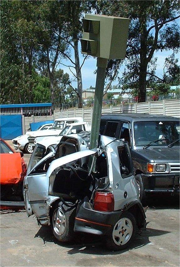 תאונת רכב קל - מצלמת אכיפה שנתקעה ברכב